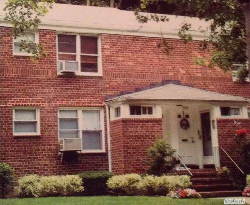 100 Edwards St APT 1B, Roslyn Heights, NY 11577