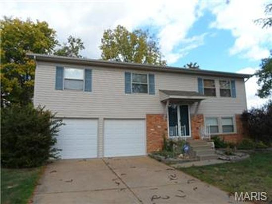 6200 Finn Rock Cir, Saint Louis, MO 63128