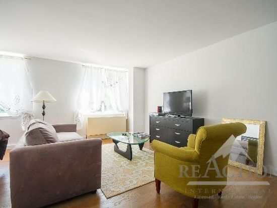 225 Rector Pl APT 2B, New York, NY 10280