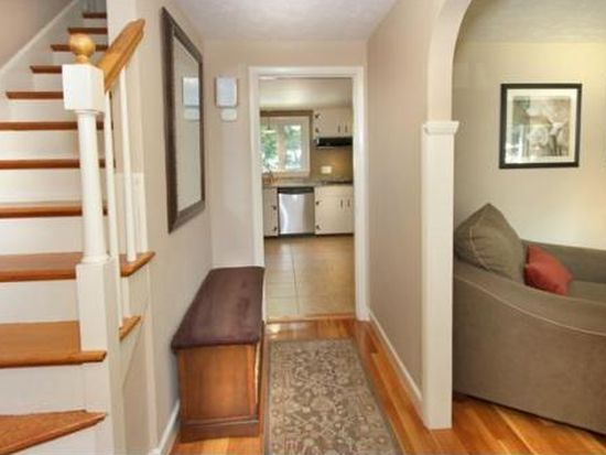 74 Plymouth Rd, Wakefield, MA 01880