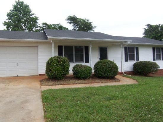 100 Renee Dr, Gaffney, SC 29341