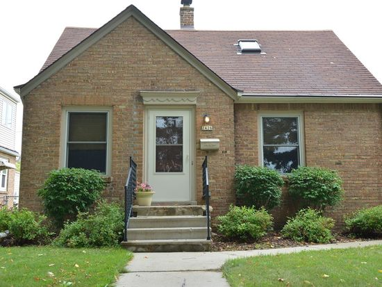 2426 S 73rd St, West Allis, WI 53219