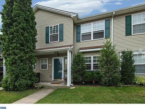 104 Cherrywood Ct, Collegeville, PA 19426