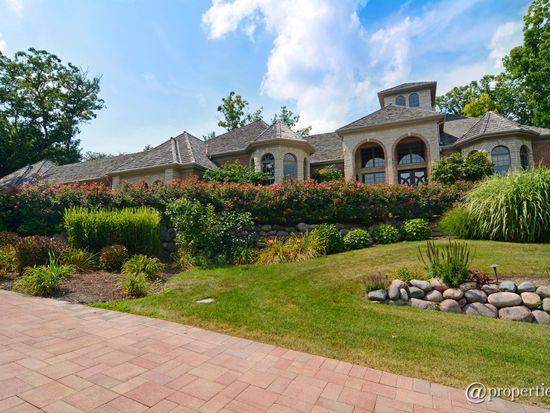 506 Wexford Ct, St Charles, IL 60175
