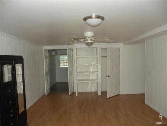 701 E Moore St, Southport, NC 28461