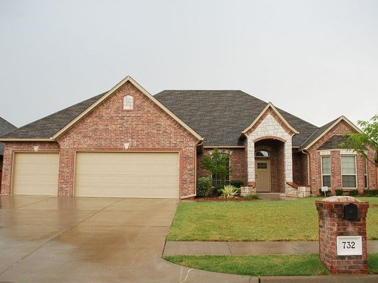 732 Northern Dancer Dr, Edmond, OK 73025