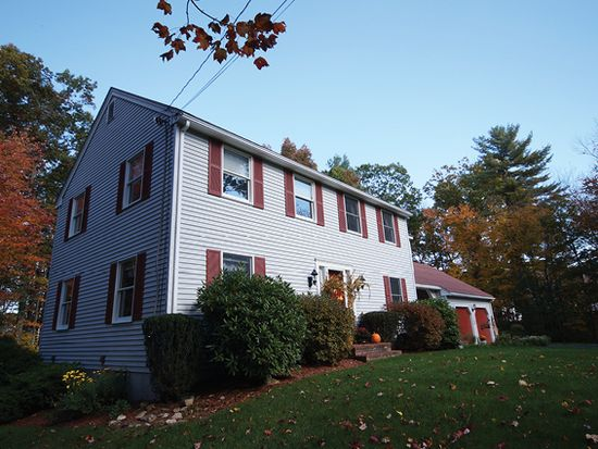 33 Adeline St, Hampstead, NH 03841