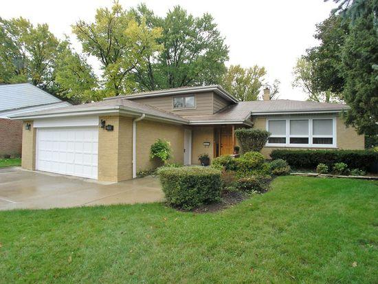 2760 Appletree Ln, Northbrook, IL 60062