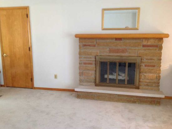 1960 Valley View Rd, Hermitage, PA 16148