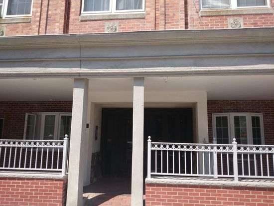 440 Hanover St APT 5A, Boston, MA 02113