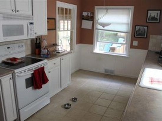 2032 Houseman Ave NE, Grand Rapids, MI 49505