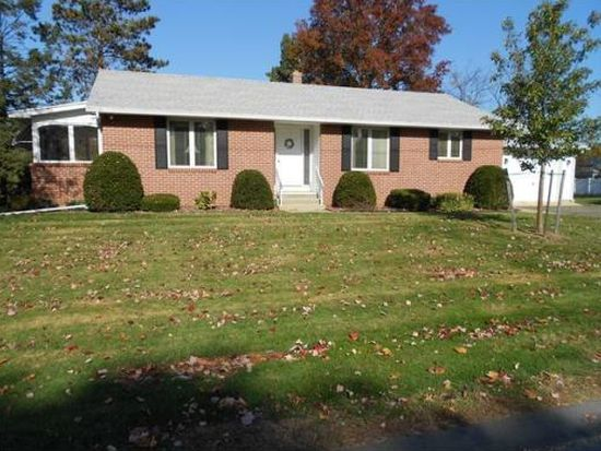 38 Hyde Ave, Chicopee, MA 01020