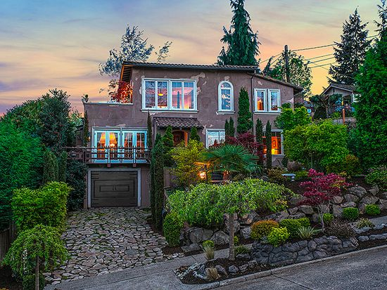 3307 SW Andover St, Seattle, WA 98126