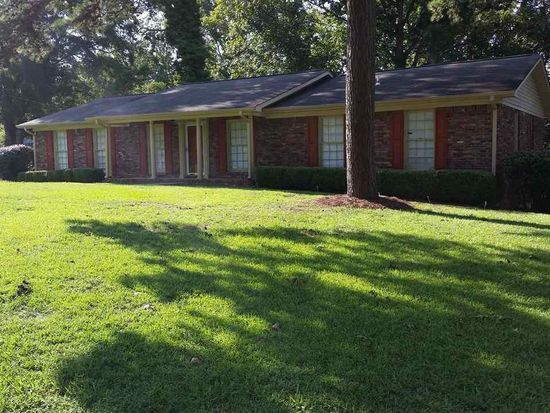 2820 4th St NW, Center Point, AL 35215