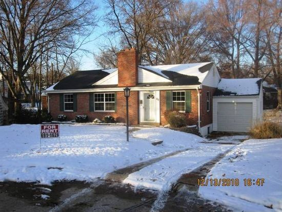 65 Turf Ct, Webster Groves, MO 63119