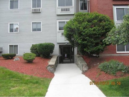 121 Cluff Crossing Rd APT 10, Salem, NH 03079