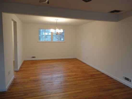 20 Garnet Ter, Livingston, NJ 07039