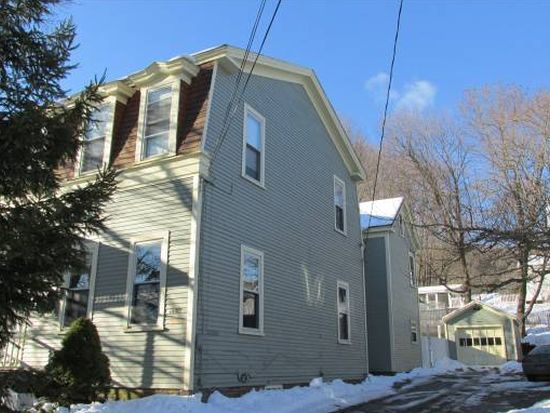 14 West St, Bellows Falls, VT 05101