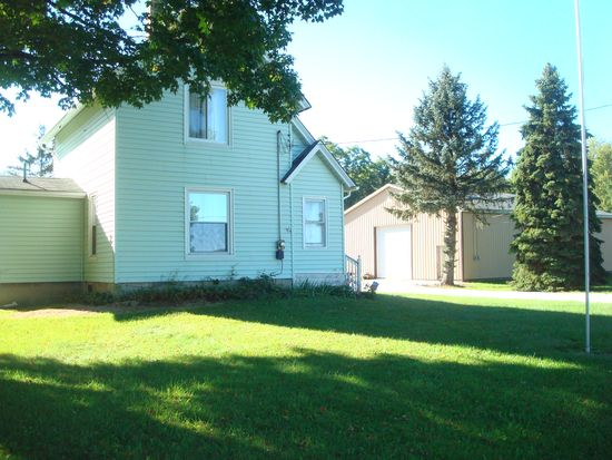 3149 Middle Rd, Pierpont, OH 44082