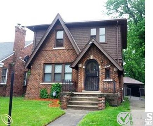 15719 Auburn St, Detroit, MI 48223