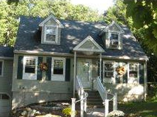 57 Old Chester Rd, Derry, NH 03038
