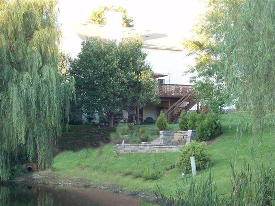 208 Twin Shores Ct, Lexington, KY 40515
