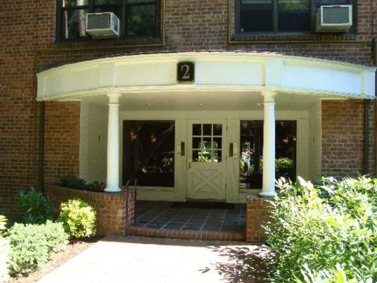 2 Town House Pl APT 1G, Great Neck, NY 11021
