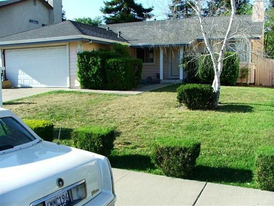 208 Waterford Dr, Vacaville, CA 95688
