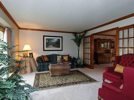 4106 Wyndwood Dr, Crystal Lake, IL 60014
