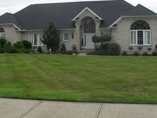 7425 Meadows Dr, Independence, OH 44131