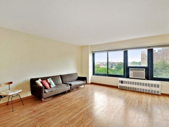 3347 14th St APT 7A, Astoria, NY 11106