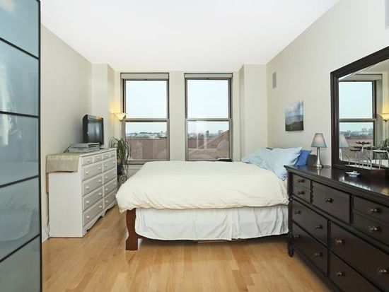 10 Regent St APT 711, Jersey City, NJ 07302