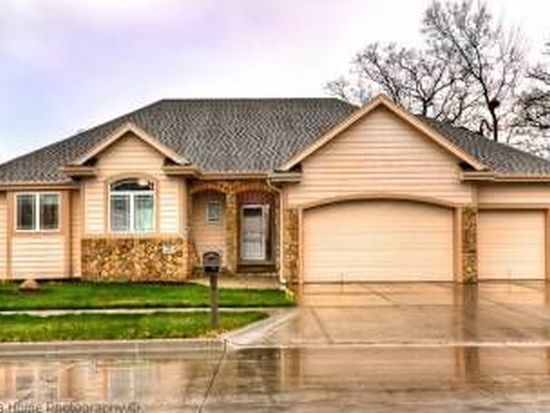 110 Parkwild Dr, Council Bluffs, IA 51503