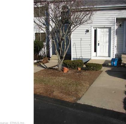 2 Valley Run Dr UNIT 2, Cromwell, CT 06416