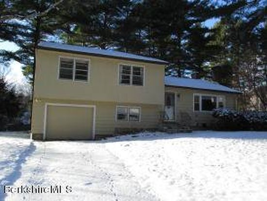 118 Roselyn Dr, Pittsfield, MA 01201