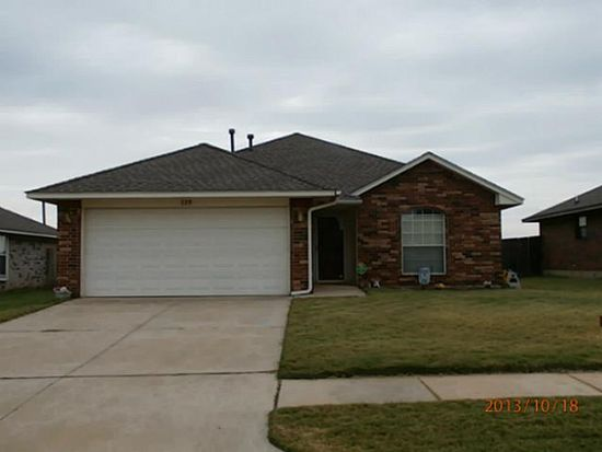 329 SW 39th St, Moore, OK 73160
