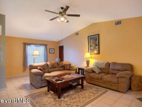 859 Emden Ave NW, Palm Bay, FL 32907