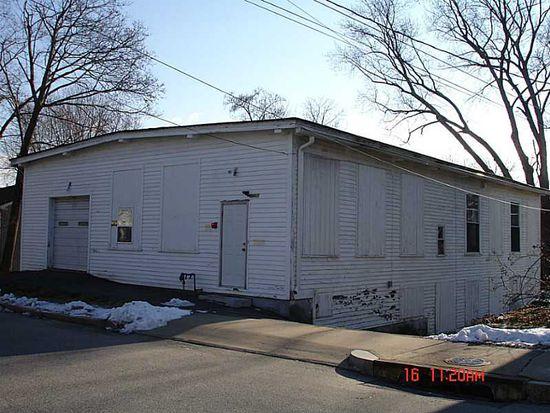 182 Farm St, Woonsocket, RI 02895