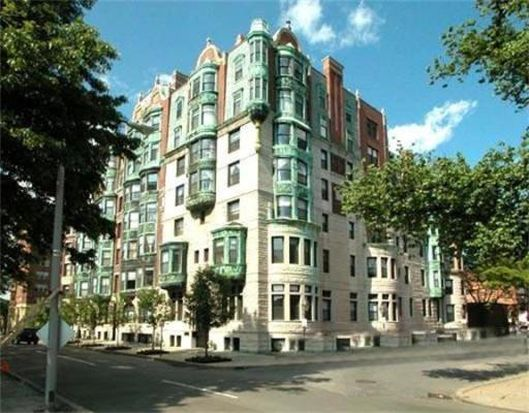 10 Charlesgate E APT 601, Boston, MA 02215