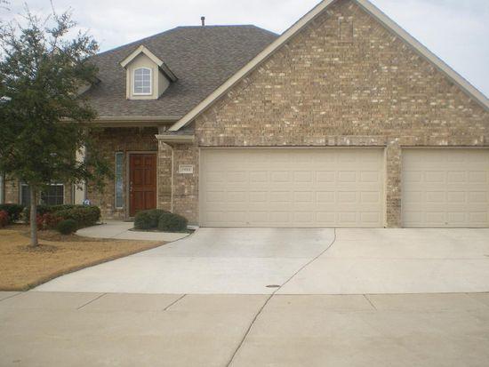 7011 Beacon Dr, Grand Prairie, TX 75054