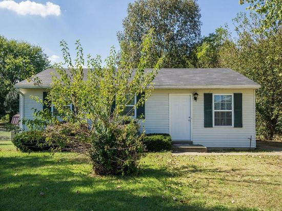 12404 Somerset Dr, Louisville, KY 40229