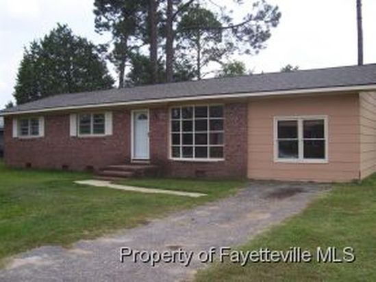 7521 Amberly Way Dr, Fayetteville, NC 28303