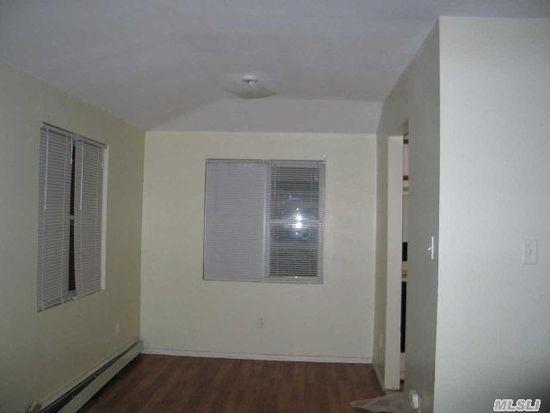 12046 Nashville Blvd FL 2, Saint Albans, NY 11412