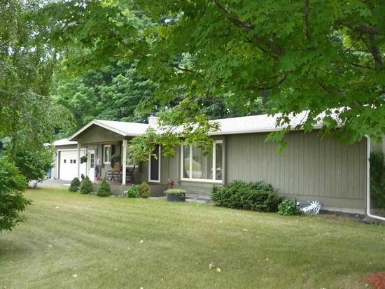 12090 E Old Orchard Trl, Suttons Bay, MI 49682