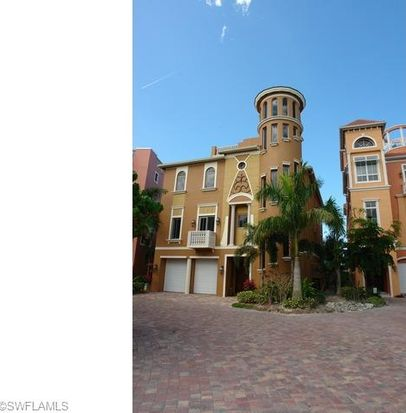 5344 Barefoot Bay Ct, Bonita Springs, FL 34134