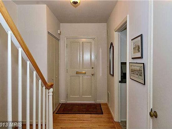 3534 Hamlet Pl # 906, Chevy Chase, MD 20815