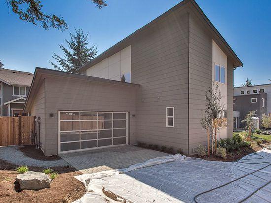 10720 15th Ave NE, Seattle, WA 98125