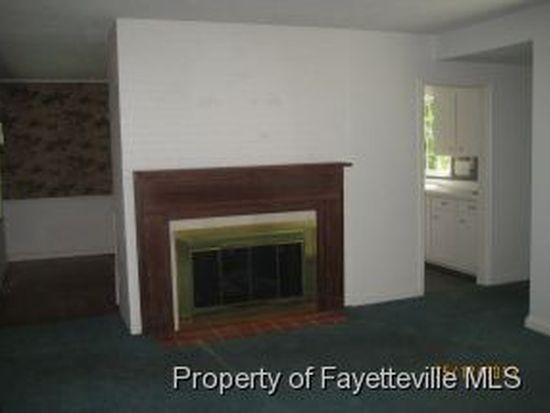 332 Fairwood Ct, Fayetteville, NC 28305