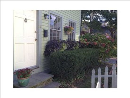 66 Callender Ave, Newport, RI 02840