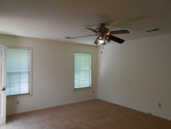 2401 Carrollwood Ln, Cordova, TN 38016